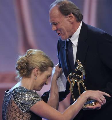 Kate Winslet lernte ihn beim Dreh zu «Der Vorleser» kennen. 2009 überreicht er ihr einen Bambi. Sie fällt vor ihm auf die Knie.