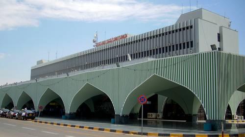 Am Flughafen in Tripolis sitzen offenbar 300 Europäer fest.