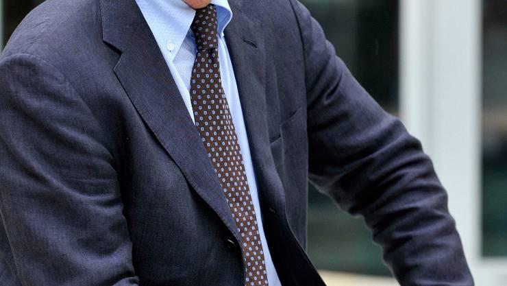 Fulvio Pelli, President du Parti PLR Les Liberaux-Radicaux, pose a Lausanne,ce mercredi 26 aout 2009 avant une seance du PLR les Liberaux-Radicaux, ou les candidats au Conseil Federal se presentent aux Presidents de section. (KEYSTONE/Dominic Favre)