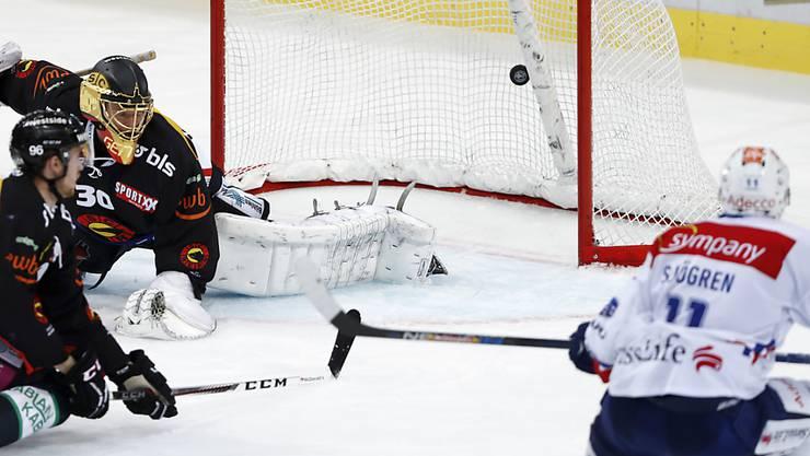 Mattias Sjögren gelingt auswärts gegen den SCB der Siegtreffer für die ZSC Lions