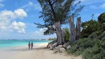 Seven Mile Beach auf den Cayman Island: 30 Prozent aller globalen Investitionen werden über Steuerparadiese abgewickelt.