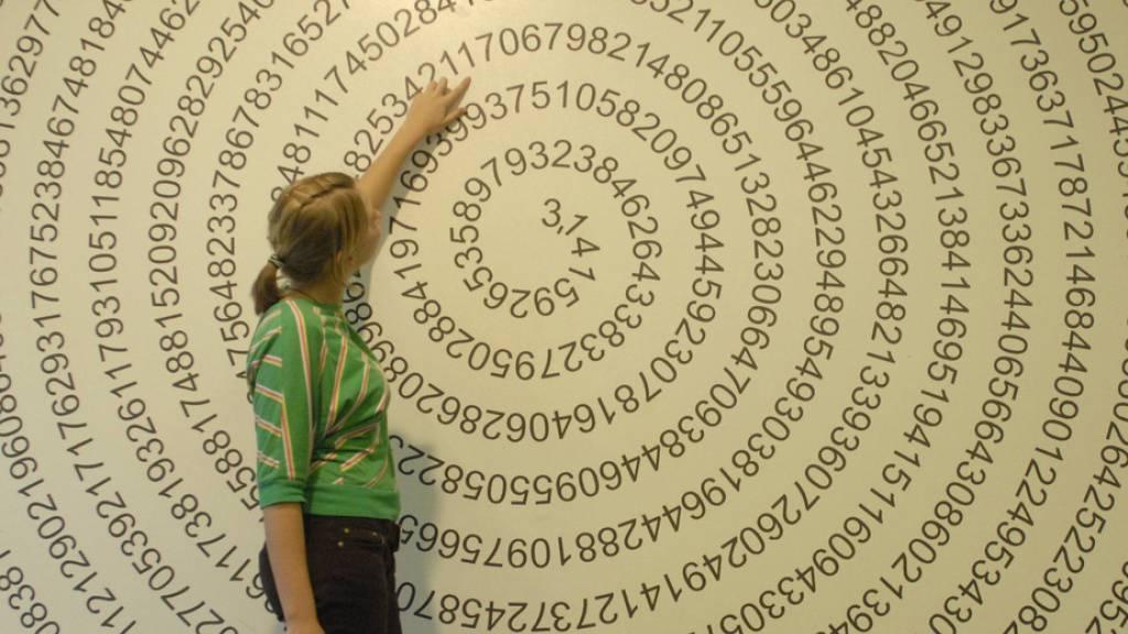 Fachhochschule Graubünden kurz vor Weltrekord bei Pi-Stellen