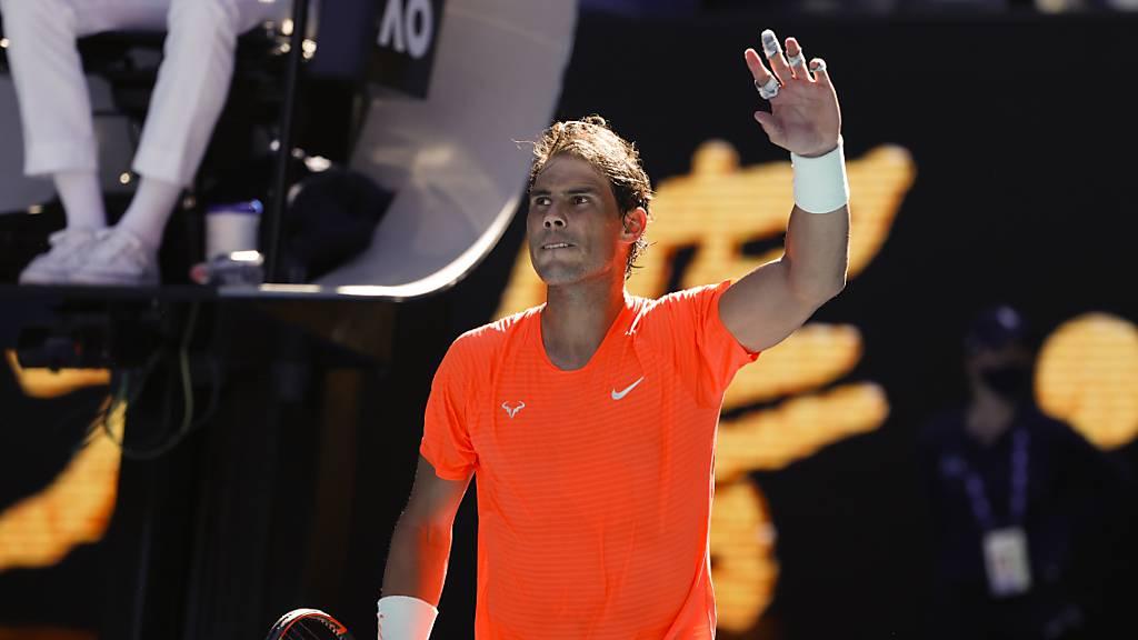 Rafael Nadal trotz Rückenproblemen auf Kurs
