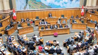 Politik mit Blick auf die Mythen. Nationalratssaal in Bern.