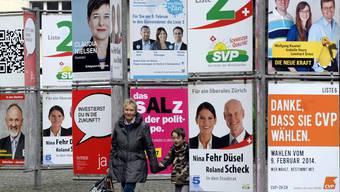 Plakate zu den vergangenen Stadtratswahlen. (Archiv=