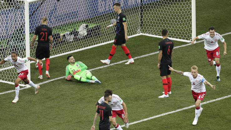 Keine zwei Minuten sind gespielt und Dänemarks Mathias Jorgensen trifft zur Führung.