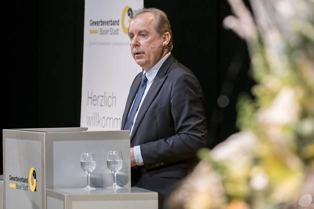 Marcel Schweizer, der Präsident Gewerbeverband Basel-Stadt hielt die Willkommensansprache im Theater Basel.