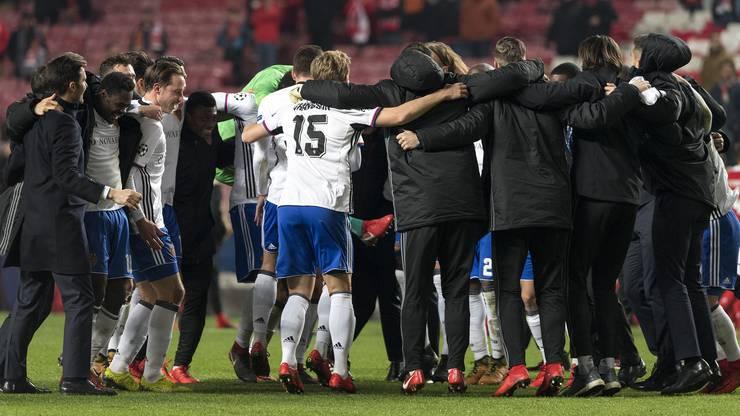 Der FC Basel feiert den Achtelfinal-Einzug