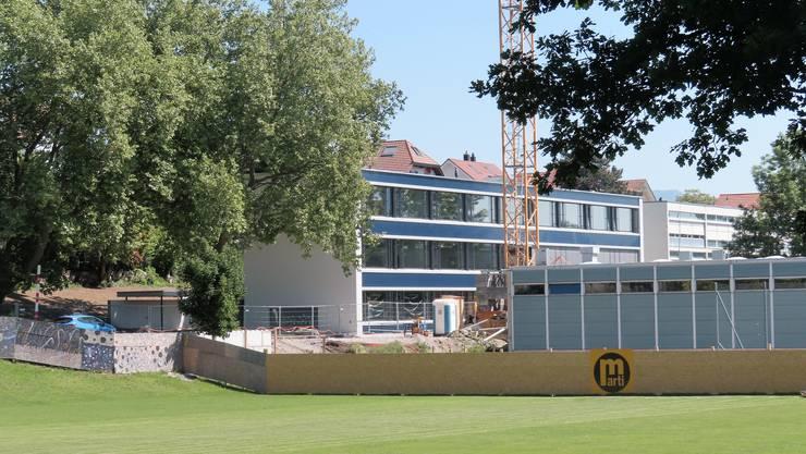 Am 11. Mai konnte das neue Schulhaus bezogen werden.