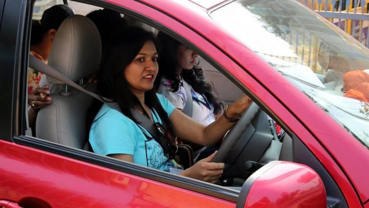 An der 80 Kilometer-Fahrt in der Stadt Bangalore nahmen mehr als 30 Frauen teil