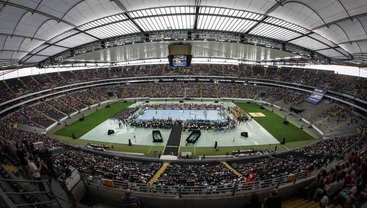 """Der """"Tag des Handballs"""" in Frankfurt wurde zum grossen Fest mit Juniorenturnieren und Volksfest-Atmosphäre."""