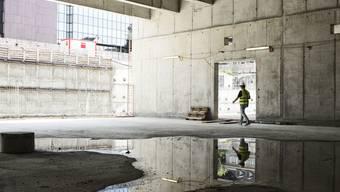 Baloise-Platz beim Basler Bahnhof SBB wächst aus Baugrube