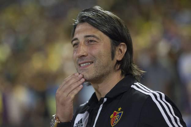 Musste bis zum Schluss zittern: Trainer Murat Yakins bange Blicke.