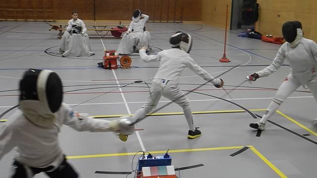 Leidenschaft und Durchhaltewille: Einblicke ins Training des Fechtclubs Baden.
