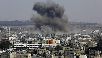 Rauch über Gaza-Stadt nach israelischem Angriff am 26. August