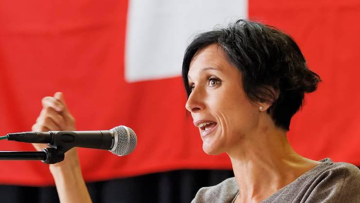Die SP-Ständerätin Pascale Bruderer holte bei ihrer letzten Wahl auch im Mitte-Lager viele Stimmen - hier spricht sie als Festrednerin am 1. August in Rohr.