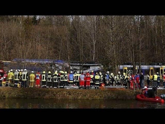 Zugunglück in Bayern: Acht Tote, über 150 Verletzte