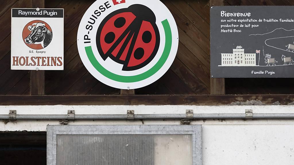 Die Migros ist laut eigenen Angaben schweizweit die grösste Abnehmerin von nach IP-Suisse-Standard produzierten Produkten. (Archivbild)