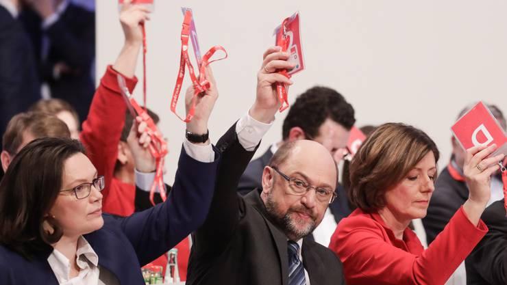 Martin Schulz hat sich durchgesetzt: Die SPD stimmt für Koalitionsverhandlungen.