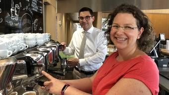 Nach einer Darmoperation soll Kaffee den Genesungsprozess  beschleunigen. Zu diesem Schluss kommt eine Studie der KSB-Chirurgen Antonio Nocito und Simone Hasler-Gehrer.
