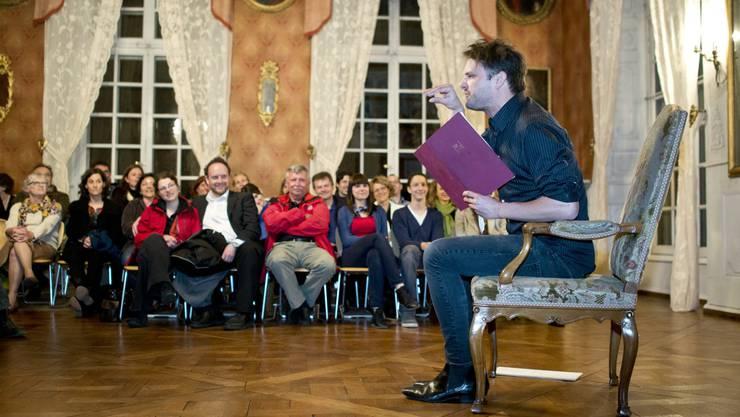 Der Punktrocker und Kindergärtner Dominic Deville erzählte im Museum Blumenstein an der Solothurner Kulturnacht 2013.