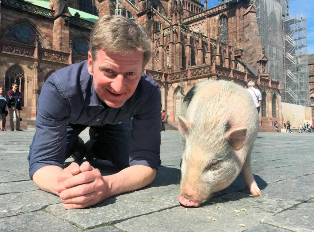 Kessler und das Schwein unterwegs in der Schweiz
