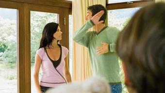 Kinder leiden mit, wenn Mami und Papi streiten. Das sind sich viele Eltern nicht bewusst. (Symbolbild)