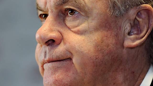 Ottmar Hitzfeld wünscht Psychologen für Schiedsrichter