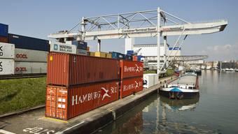 Die Schweizer Exportwirtschaft dürfte laut KOF stärker werden (Archiv)