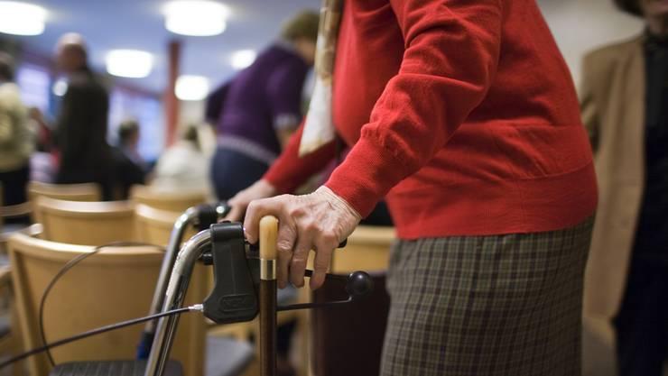 Es gibt nur ein einziges Land, in dem die Menschen noch älter werden als in der Schweiz.