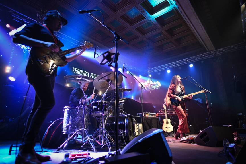 Veronica Fusaro brachte das Publikum vom ersten Song an zum Tanzen.