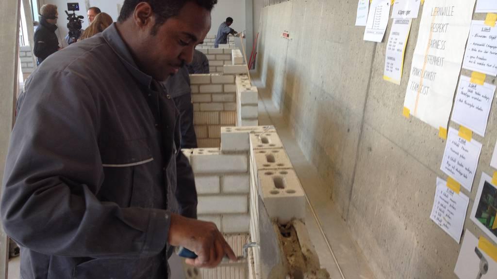 Luzern bietet Flüchtlingen Ausbildung im Baugewerbe an