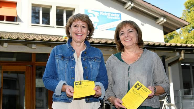 Kleintheater Grenchen: Marisa Thöni, Präsidentin, und Marianne Gschwind,Reservationen und Abonnemente.