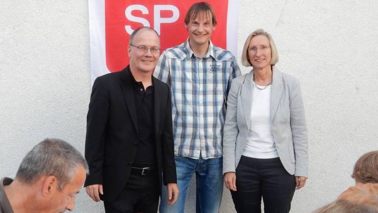 Von links nach rechts:  Max Chopard-Acklin, Nationalrat; André Mummenthaler, Präsident SP Gränichen; Prisca Birrer-Heimo, Nationalrätin
