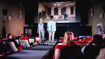 Fashion Show von Aaron Doukpo im Kino Palace