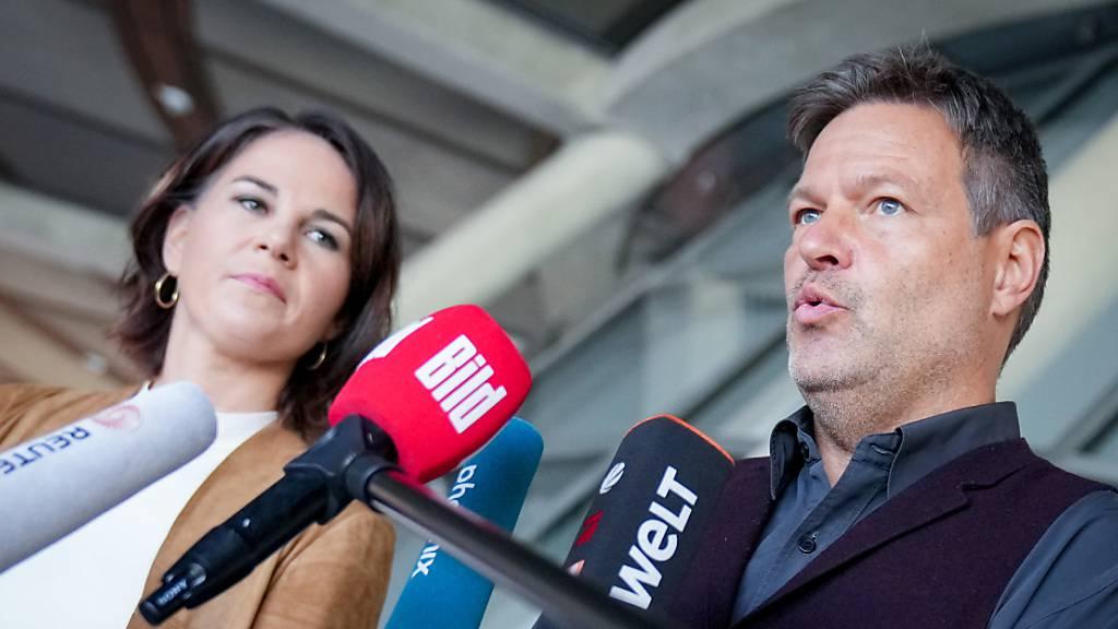 Deutsche Grüne wollen rasch Sondierungsgespräche mit SPD und FDP