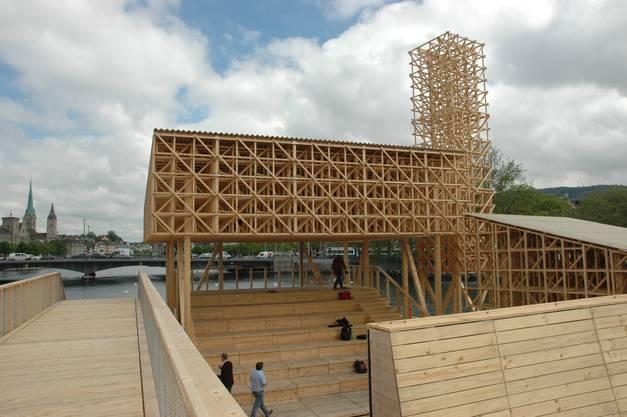 Für den Pavillon verbauten ETH-Studenten Holz aus Zürcher Wäldern.