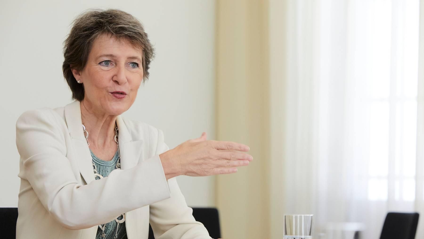 Bundespräsidentin Simonetta Sommaruga erwartet, dass die Nachbarländer die Zubringer zur Neat bauen.