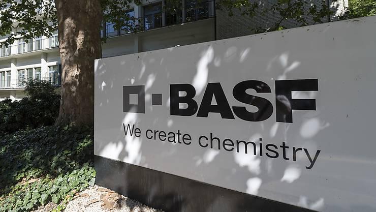 35'000 Liter Desinfektionsmittel will die BASF innerhalb von zwei Wochen herstellen.