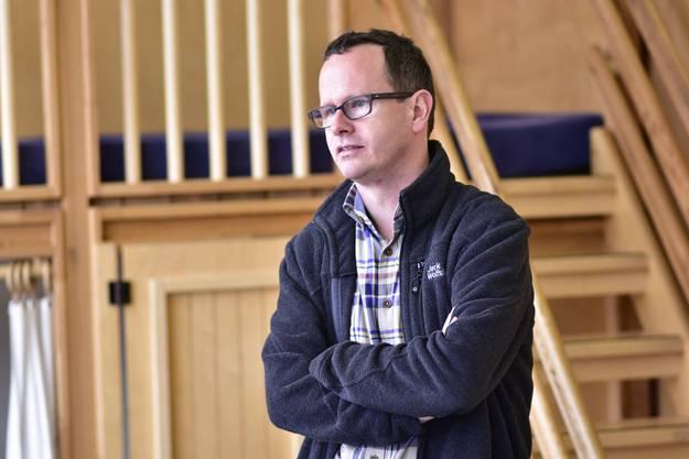 Schulleiter Stefan Thöni findet, dass die Kinder durch den spielzeugfreien Kindergarten sozial auch mal anders gefördert werden