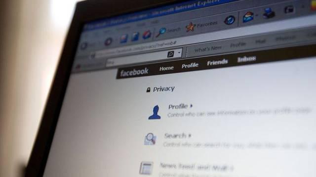 """Facebook-Nutzer sind an die """"Urnen"""" gerufen"""