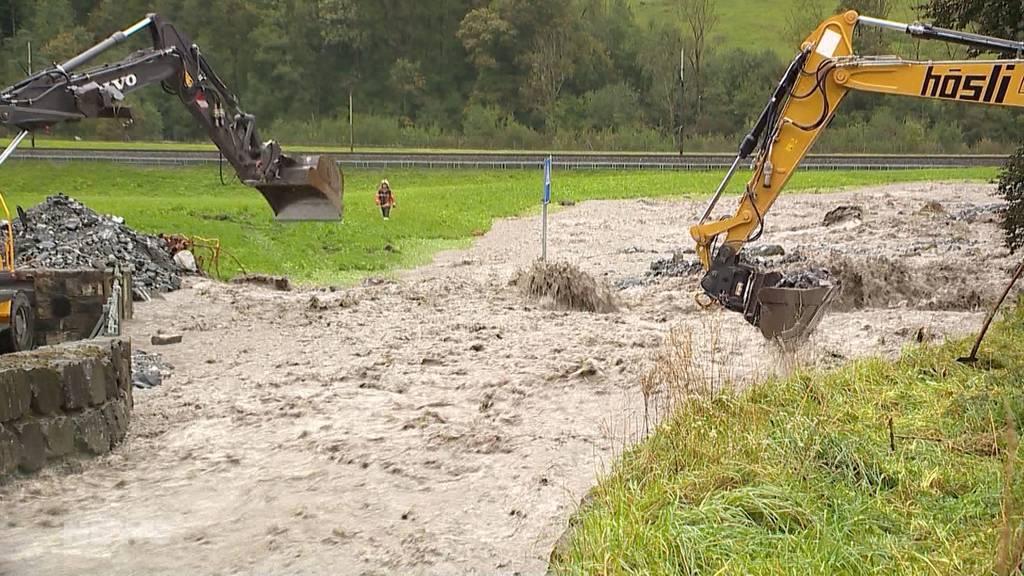 Unwetter in der Innerschweiz: Die Reuss gerät ausser Kontrolle