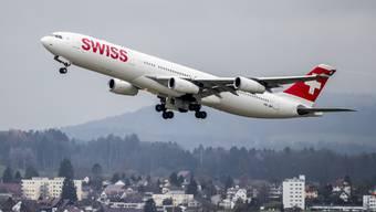 Echt gespart werde erst dann, wenn es Flüge nicht mehr brauche, weil alle Passagiere die Ferien in den Schweizer Bergen verbringen, so Beat Künzli.