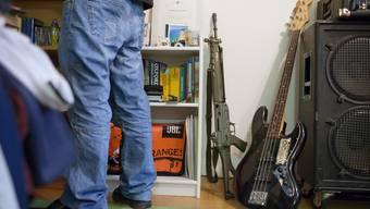 Das neue EU-Waffenrecht tangiert auch die Abgabe des Sturmgewehrs an ehemalige Militärangehörige.