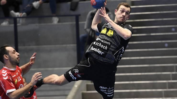 Marvin Lier (Pfadi) ist zurück im Schweizer Ligabetrieb und schliesst mehrmals erfolgreich ab.