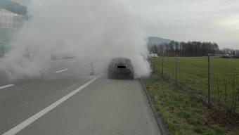 Ein Volvo brannte auf der A1 bei Oensingen
