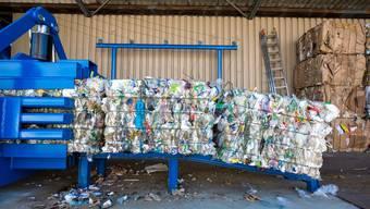 Plastik-Recycling bei der Neuenschwander AG. (Archiv)