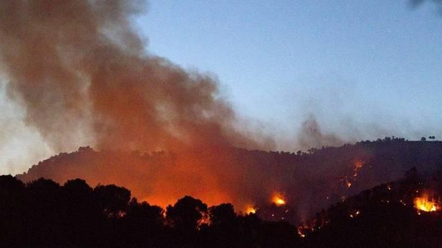 Feuer und Rauch über Mallorcas Wädern