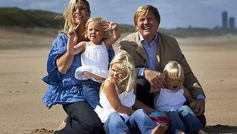Königliche Familie im Sand
