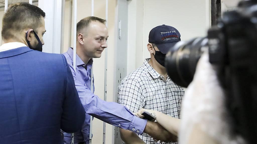 Protest gegen Spionage-Vorwurf gegen früheren russischen Journalisten